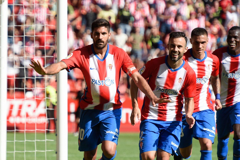 Carmona celebra su gol ante el Extremadura