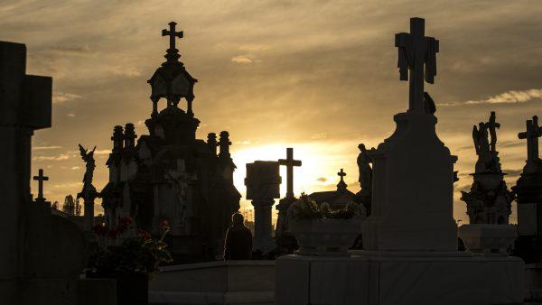 El cementerio de La Carriona como nunca lo habías visto