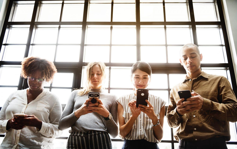 Un 2,9 por ciento de la población de 15 a 64 años, aproximadamente 906.000 personas, han hecho un uso compulsivo de internet